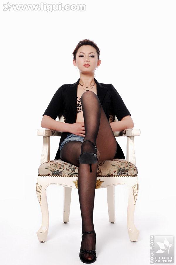 [Ligui丽柜]2009.07.15 风骚女演员的黑丝 Model 黄柳[14P/7.75M]